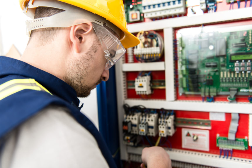 How to Become an Electrician: 5 Easy To Follow Steps