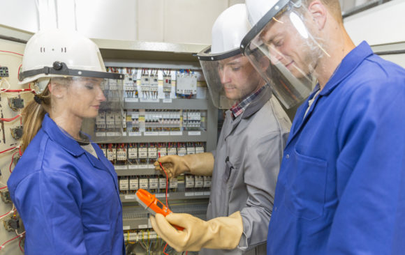 What is an Electrician Trainee and How to Get in the Field