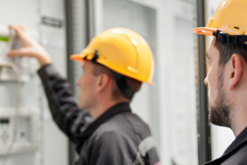 Starting an Electrical Business: Running Your Contracting Business the Right Way