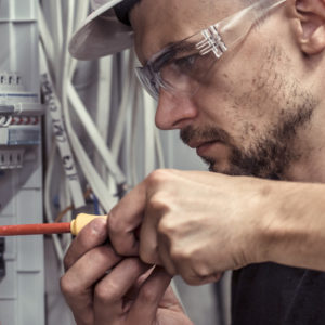 How to Get Real-World Experience While Receiving Your Electrical Certification